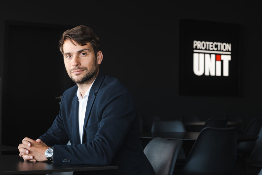 Nicolas DE ANGELIS - Protection UNIT